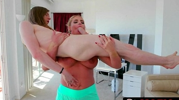 Gorgeous Stepmom Phoenix Marie Gives Her Loser Stepson a Vigorous Blowjob