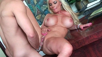 Blonde milf Diamond Foxxx acquires nailed hard
