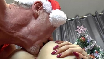 Xmas frolics with April Paisley and Alessa Unrefined