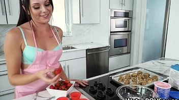 Baking hottie gf fucked in kitchen