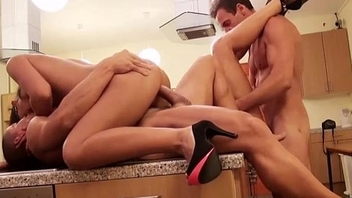 Group-Sex At hand Beautiful Amatures
