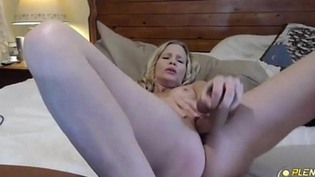 Fucking amazing blond MILF Brianna Ray with perfect big tits