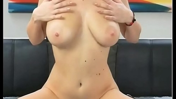 Alta buna rams dildo and fingers up her. webcam girls at www.camslutparadise.com