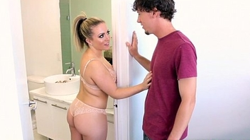MILF Carmen Valentina makes stepson an offer he can not refuse